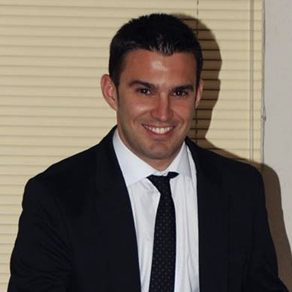 Óscar Caro